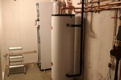 Toivontie - Viessmann ilmavesilämpöpumpun asennus käynnissä